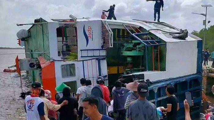 KRONOLOGI Kapal Tenggelam di Dermaga, Bermuatan 87 penumpang dan 53 kendaraan.