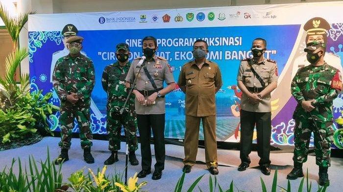 Kapolda Jabar Apresiasi Masyarakat Kota Cirebon yang Sangat Antusias Ikuti Vaksinasi Massal Covid-19