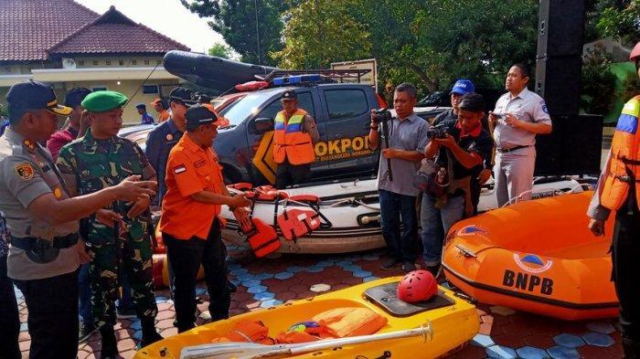 Indramayu Mulai Diguyur Hujan, Polres Indramayu Bentuk Personel Gabungan Antisipasi Bencana
