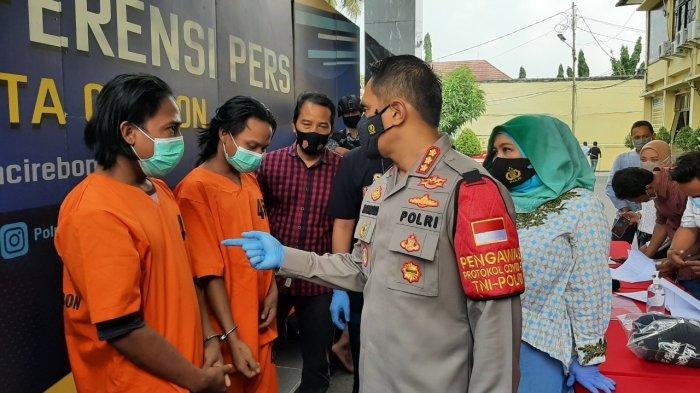 Polresta Cirebon Ciduk Begal Ponsel, Gunakan Pisau Dapur untuk Ancam Korban, Korban Ditarik Jatuh
