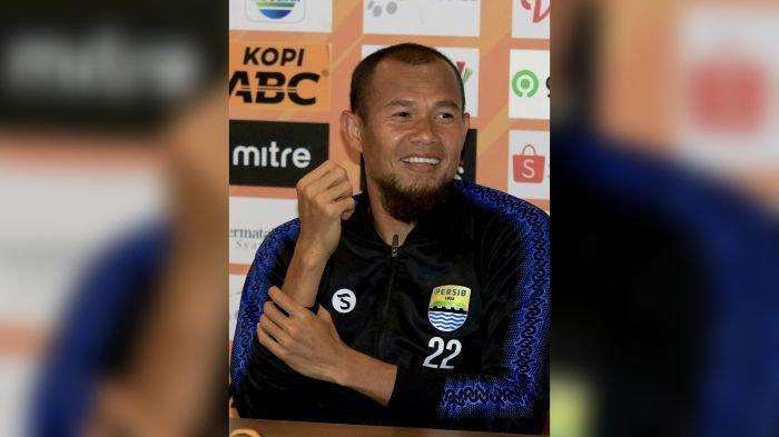 Latihan Hari Ketiga Persib Bandung: Dua Wajah Baru Bergabung, Siapa Saja?