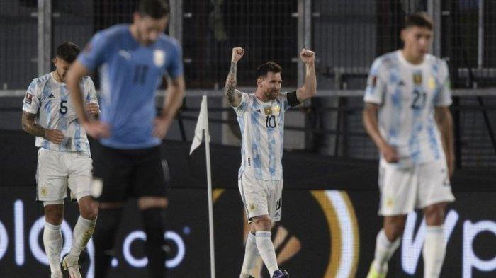 Gol Tak Sengaja Lionel Messi Bantu Argentina Hancurkan Uruguay di Kualifikasi Piala Dunia