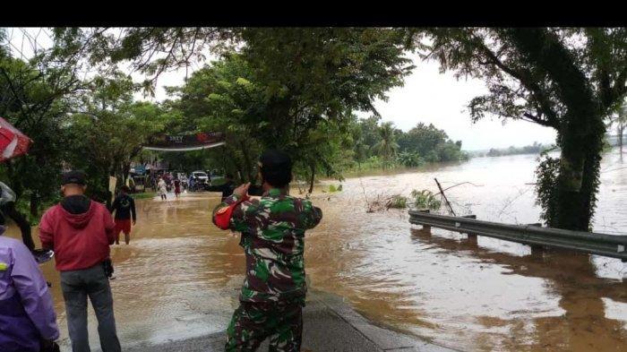 Jalan Penghubung Karawang-Bogor Terendam Banjir di Dua Titik Sore Ini, Motor Diimbau Tak Melintas