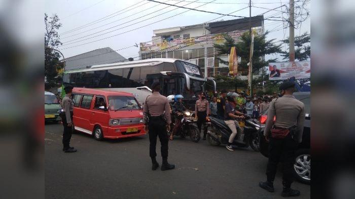 UPDATE Bus Karunia Bakti Rem Blong dan Seruduk 4 Motor di Cianjur, Satu Penumpang Motor Meninggal