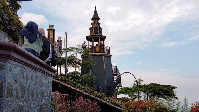 Wisata Libur Lebaran, Kastel Harry Potter ini Dilengkapi Villa Seperti Berada di Luar Negeri