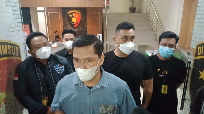Kasubdit Siber Ditreskrimsus Polda Jabar, Kompol Reonald Simanjuntak di Mapolda Jabar, Kamis (17/12/2020).