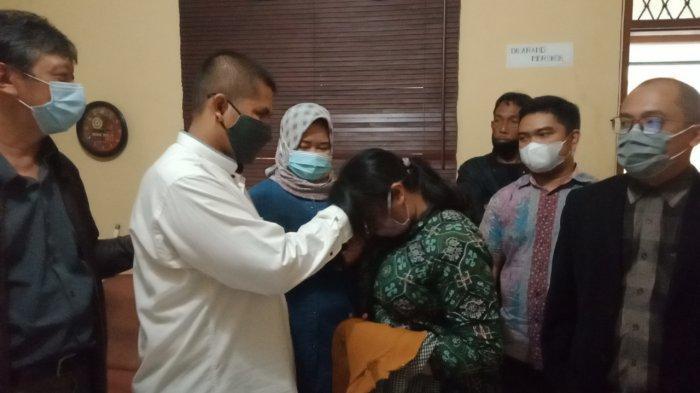 AKHIR Bahagia Anak Gugat Orang Tua Rp 3 Miliar di Bandung, Rabu Ini Damai, Deden: Saya Sayang Bapak