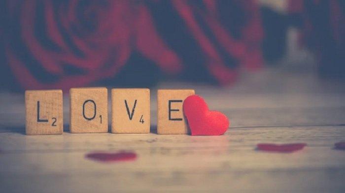 Kata-kata Romantis untuk Pacar di Hari Valentine 2021, Buat Ucapan dari Kutipan Film Indonesia