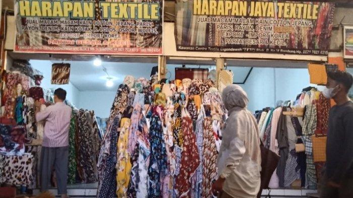 Kawasan Tekstil Cigondewah Diserbu Pengunjung, Ini Bahan Baju yang Banyak Dicari, Bisa Beli Kiloan