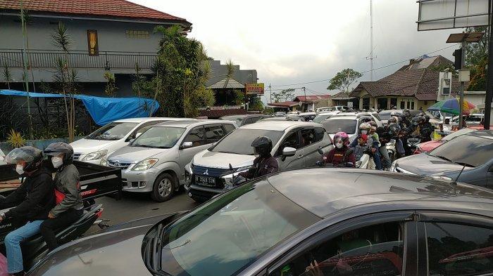 Puncak Cipanas Macet, Bogor Berlakukan One Way dan Buka Tutup untuk Urai Kemacetan