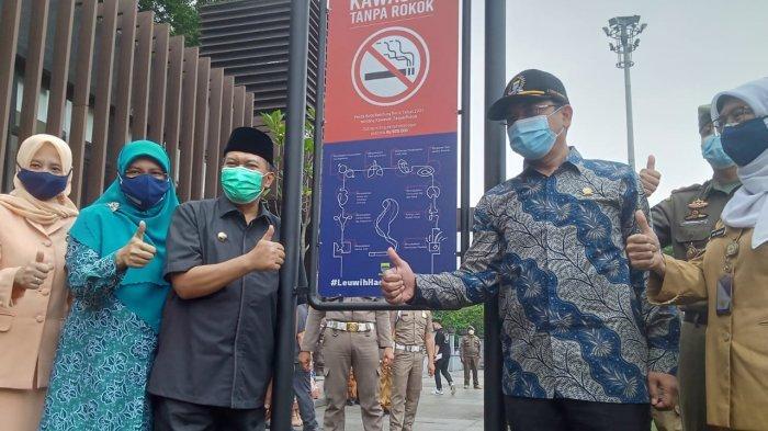 Alun-alun Bandung Kini Jadi Kawasan Tanpa Rokok, Kedapatan Merokok Bisa Didenda 500 Ribu