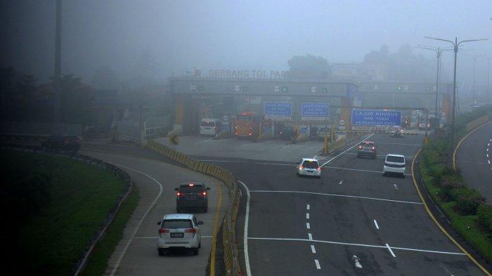 Pemandangan Bandung Berkabut di Pagi Hari, Warga Bandung : Jadi Ingat era 1990-an