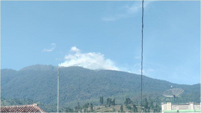 Kebakaran Gunung Ciremai Meluas, Total 379 Hektare Lahan Terbakar