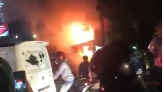 BREAKING NEWS, Baru Saja Kebakaran di Seberang Lapas Sukamiskin, Api Membubung Tinggi, Jalan Macet