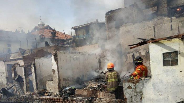 kebakaran di Astana Anyar, Api Menjalar dari Satu Rumah ke Rumah Lain, Diduga Berawal dari Sini