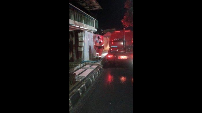 Tiga Jam Damkar Berjibaku Padamkan Kebakaran Sebuah Bengkel di Cianjur, Pemilik Merugi Rp 4 Miliar