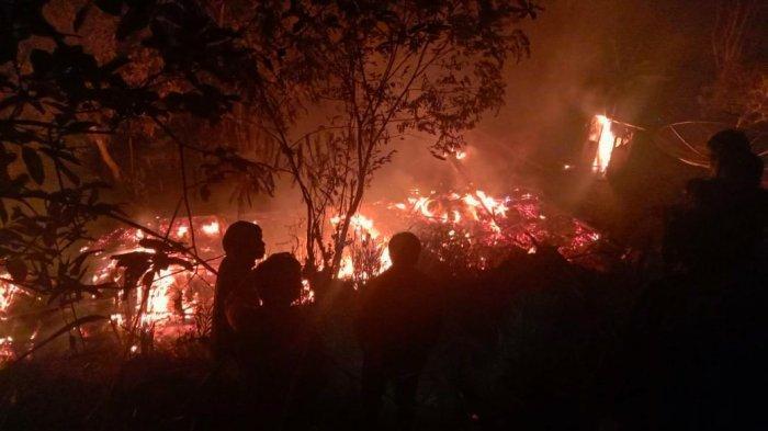 Empat Unit Rumah Terbakar di Garut Selatan, Api Diduga Berasal dari Tungku Pembuatan Gula Aren