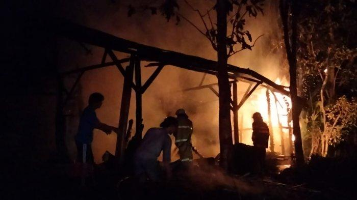 Gegara Membakar Sampah, Sebuah Pabrik Penggergajian Kayu di Ciamis Ludes Dilalap Si Jago Merah