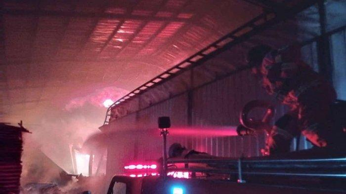 Pabrik Pengolahan Kayu di Ciamis Terbakar, Kerugian Rp 1 Miliar, Petugas Kesulitan Padamkan Api