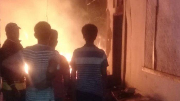 Rumah Panggung Terbakar di Tasikmalaya, Ibu Tak Bisa Selamatkan Anaknya yang Menderita Gangguan Jiwa