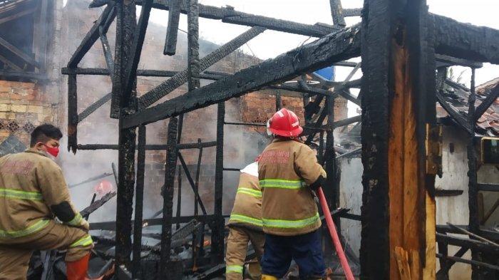 Gegara Membakar Sampah, Dapur Pesantren dan Atap Rumah Warga di Kota Sukabumi Terbakar