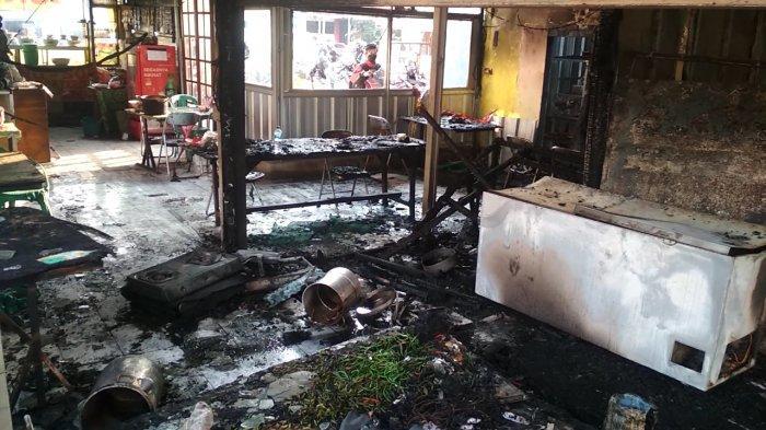 FOTO-foto dan Video Dahsyatnya Kebakaran Rumah Makan di Cimahi, Barang Hangus, Pemilik Tersambar Api