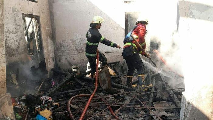 Kebakaran Hanguskan Rumah di Cimalaka Sumedang, Kerugian Capai Ratusan Juta Rupiah Diduga Akibat Ini