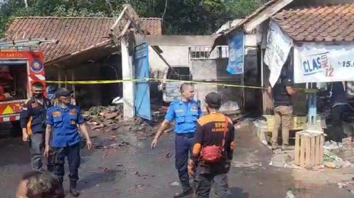 Suasana Mencekam Saat Rumah Salman di Tasik Terbakar, Warga Tak Berani Mendekat, Ini Sebabnya