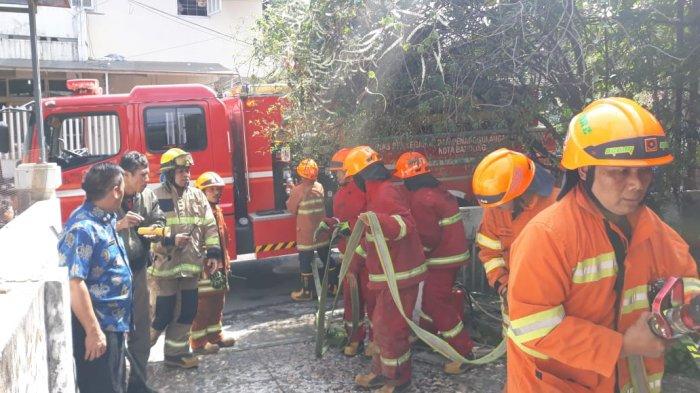 Kebakaran Satu Rumah di Kelurahan Citarum Bandung, Masih Dalam Penanganan Pemadam Kebakaran