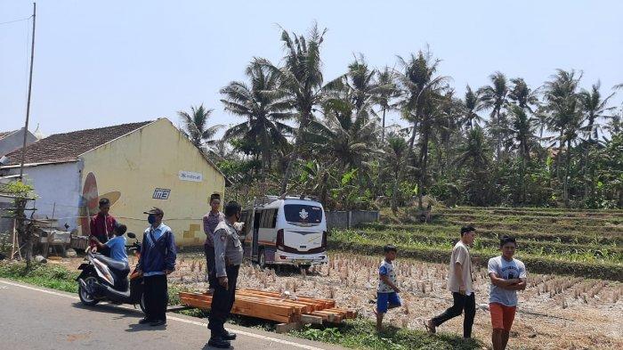 Kecelakaan Maut di Cianjur Selatan, Elf Balapan Tabrak Motor, Pengendara Motor Terseret & Terpental