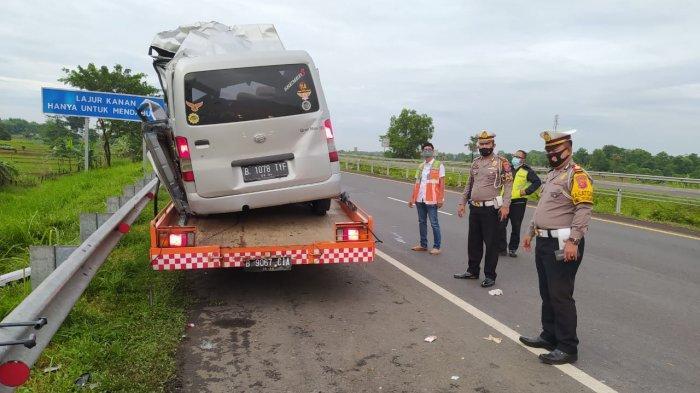 TERJADI LAGI, Kecelakaan Maut di Tol Cipali Tadi Pagi 4 Orang Tewas, Satu Mobil Kabur