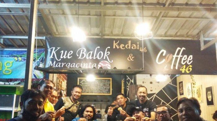 Kedai 46 Coffee & Kue Balok di GBA 2, Ciganitri, Kab Bandung.