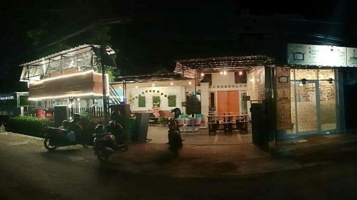 Kedai Kopi milik Teh Mican