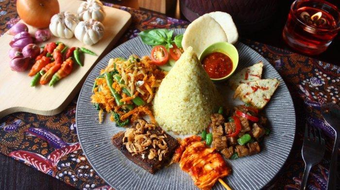 menu Nasi Tumpeng Parahyangan di Kedai Nyonya Rumah