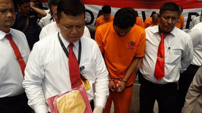 Pria Ini Kedapatan Konsumsi Sabu di Stasiun Bandung, Kini Berakhir di Penjara