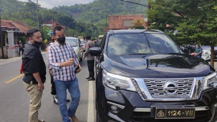 Coba Kelabui Petugas, Mobil Pelat Nomor Polri Ditangkap Petugas di Posko Penyekatan Majalengka