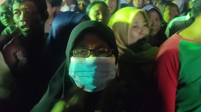 Korban Tabrakan Kapal di Indramayu Tiba di Pelabuhan, Keluarga Menangis Lihat Ambulans