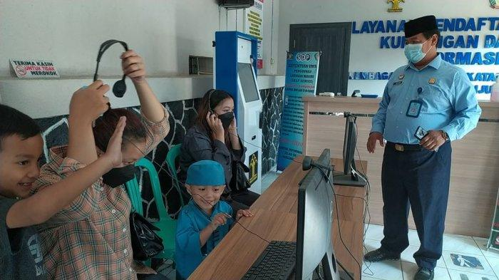543 Narapidana di Cianjur Dapat Remisi, Keluarga Video Call dengan Warga Binaan di Dalam Lapas