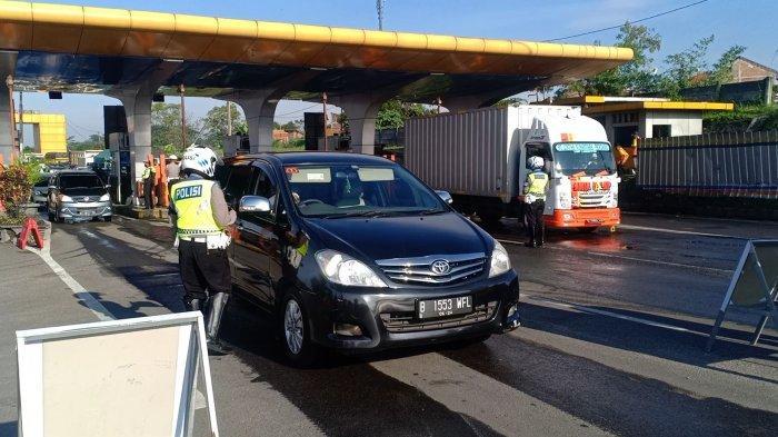 Dalam Sehari 8.000 Lebih Kendaraan Diputar Balik di Check Point Cikarang Barat, Diduga Hendak Mudik