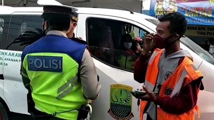 Kendaraan Pelat Merah Karawang Berada di Jakarta, Saat Dicek Ternyata Bermuatan Sepeda Motor