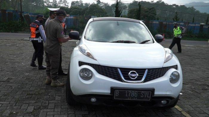 KBB Zona Merah, Puluhan Kendaraan yang Masuk Lembang saat Akhir Pekan Diputar Balik Petugas