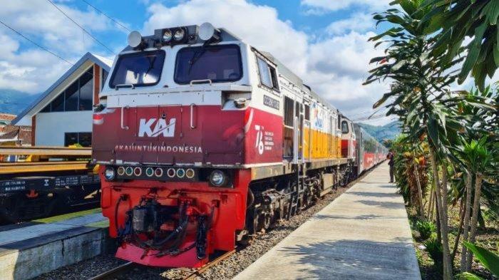 Semarakkan HUT Ke-76 Kemerdekaan RI, Lokomotif dan Gerbong Kereta Api Punya Wajah Baru