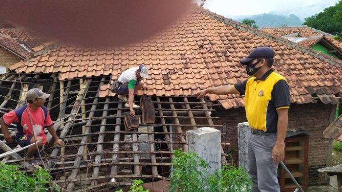 INI PENAMPAKANNYA, Puluhan Rumah di Cibingbin Kuningan Rusak Akibat Gempa Brebes Jawa Tengah