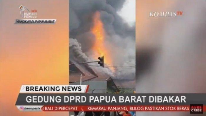 Tak Hanya Gedung DPRD, Massa Bringas di Manokwari Papua Barat Juga Bakar Diler Mobil dan Gerobak
