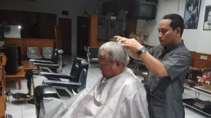 Diijinkan Mudik oleh Pemkab, Ketua Asosiasi Tukang Cukur Garut Minta Difasilitasi Kendaraan & Ongkos