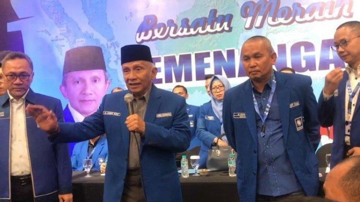 BARU SAJA TERJADI Rakernas PAN Ricuh,Antarkader Saling Dorong, Amien Rais ke Panggung Ajak Istigfar