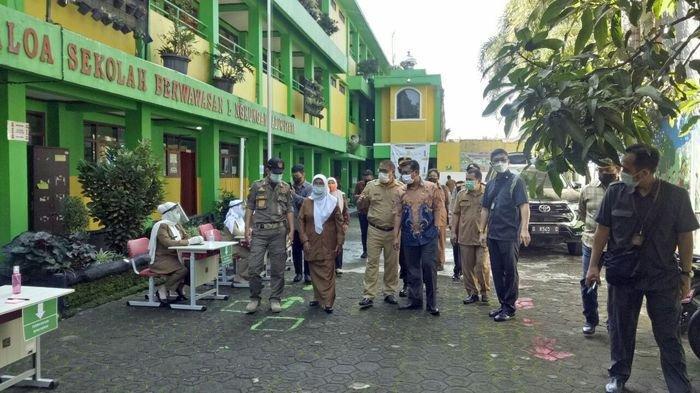 330 Sekolah Dapat Izin Gelar Sekolah Tatap Muka Terbatas di Kota Bandung