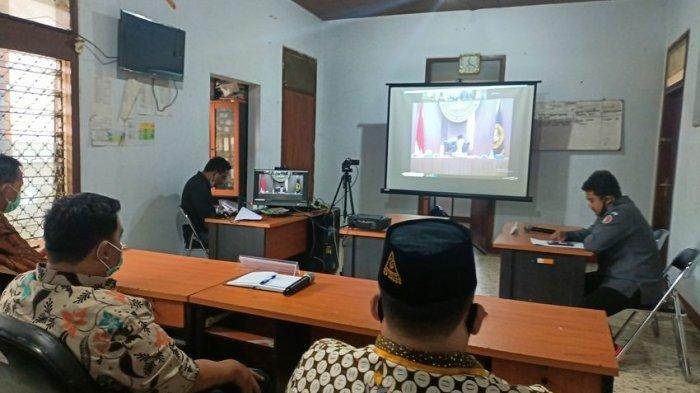 Ketua KPU Indramayu Disidang, Gara-gara Hadir di Pesta Surprise Ultah Calon Wakil Bupati