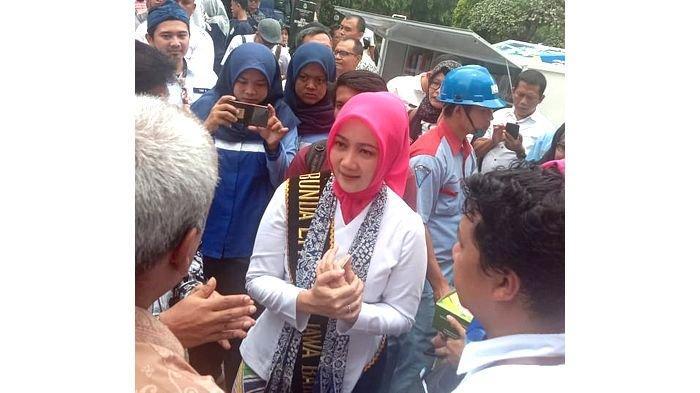 Kunjungi Indramayu, Atalia Ridwan Kamil Serahkan Bantuan Dana Pendamping Gizi ke Puskesmas Babadan