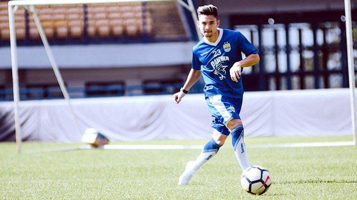 Dapat Posisi Baru di Belakang Striker, Pemain Persib Bandung Kim Kurniawan Tak Masalah